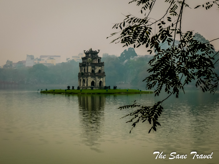 turtle tower hanoi fog vietnam thesanetravel.com 1010838