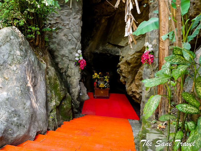 8 ladies cave vietnam www.thesanetravel.com