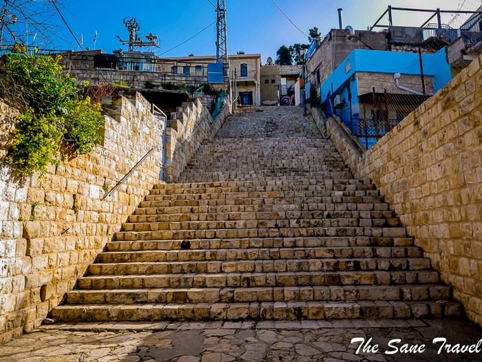 20 stairs safed israel www.thesanetravel.com 1230319