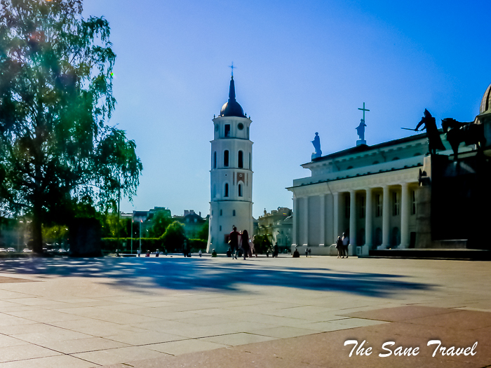 13 vilnius cathedral square lithuania www.thesanetravel.com 1460653