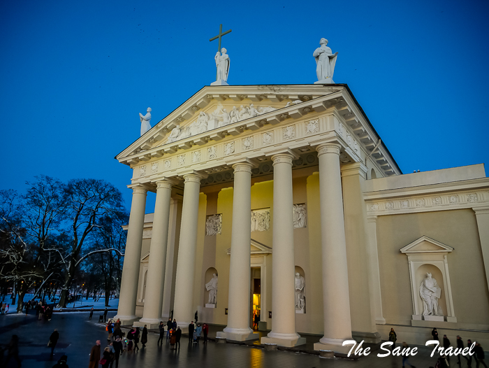 15 vilnius cathedral lithuania www.thesanetravel.com 1180678